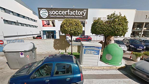La empresa sevillana es líder en venta de material deportivo de fútbol a través de Internet