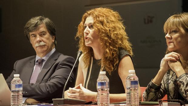 Cosette Franco, de Método Mentoris, junto al psicólogo Javier Urra, en Sevilla