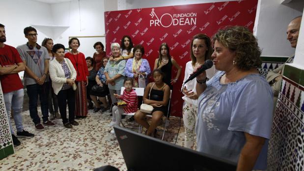 Gracia Vázquez, coordinadora del centro social, este lunes durante la jornada de puertas abiertas