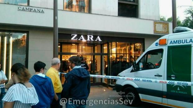 Imagen del Zara de la Campana acordonado