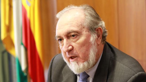 Juan Bautista Alcañiz no desvela si volverá a presentarse en las elecciones de 2018