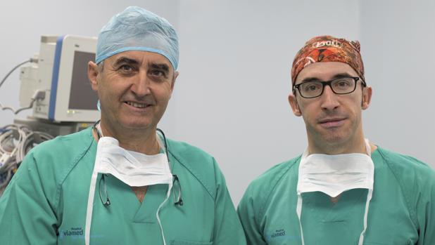 El Hospital Viamed Santa Ángela de la Cruz organiza una charla de los doctores Domingo Sicilia Castro y Joaquín Galache Collell, con motivo del Día Internacional del Cáncer de Mama