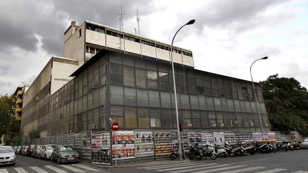 Lateral de la vieja comisaría de la Gavidia