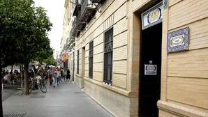 Los camareros del Centro de Sevilla, indignados con el recorte de veladores