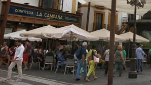 La histórica confitería La Campana, en peligro si se suprimen los veladores