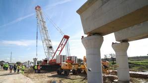 Un plan industrial por definir, prioridad de la Junta para Sevilla en 2017