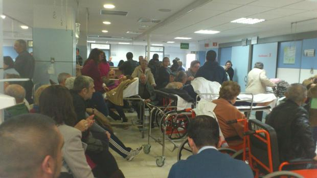 La sala de espera de Urgencias del Virgen Macarena, en una imagen reciente