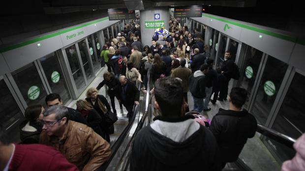 Metro de Sevilla en la Puerta de Jerez