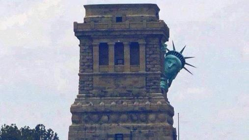 La Estatua de la Libertad, asustada por lo que se le viene encima