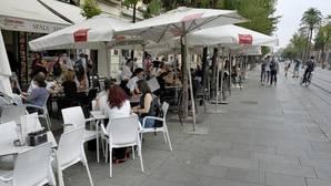 Continúa la batida por el Centro: 23 mesas, 57 sillas, cuatro pizarras y dos parasoles menos