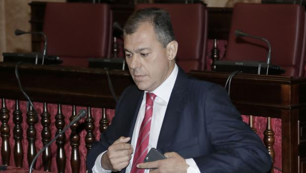 El alcalde de Tomares, José Luis Sanz, está avalado por tres mayorías absolutas consecutivas