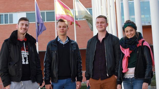 Estudiants Erasmus de cuatro nacionalidades, en la Universidad Pablo de Olavide