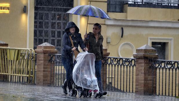 Las lluvias estarán presentes toda la semana en Sevilla y los termómetros no superarán los 15 grados