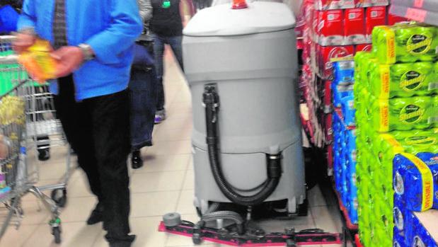La máquina limpiadora con al que fue arrollado Juan José Sánchez