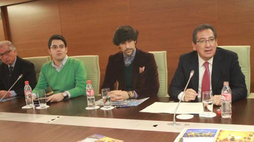 Antonio Pulido durante la presentación de los «Gozos de Diciembre»