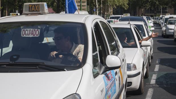 El Ayuntamiento de Sevilla abre el plazo para solicitar el rescate de hasta 35 licencias de taxi