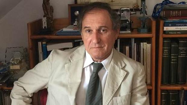 El doctor Pedro López Pereira es un experto en extrofia vesical