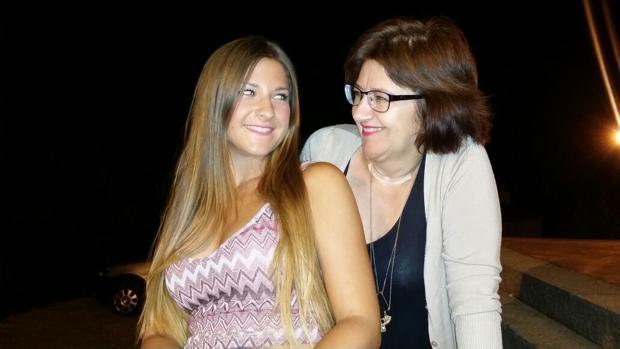 Carmen Vida con su hija Ester que falleció el pasado mes de julio en la N-IV