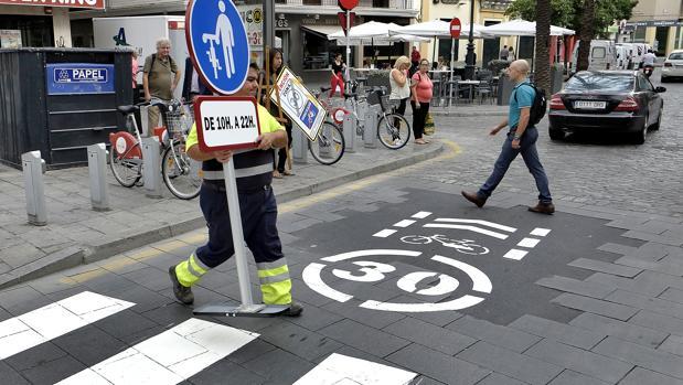 La ciclista fue atropellada en un paso de peatones