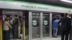 ¿Cuál fue el día con más viajeros en el metro de Sevilla en el año 2016?