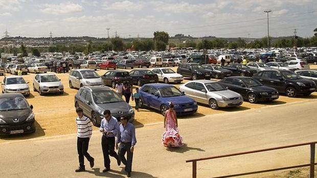El parking habilitado en el Charco de la Pava para la Feria de Abril de Sevilla