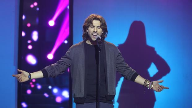 El Manuel Carrasco  de «Tu cara no me suena todavía» le canta a Sevilla