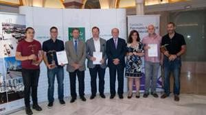 Foto de familia de la entrega de premios de Pintura sobre Patrimonio Industrial