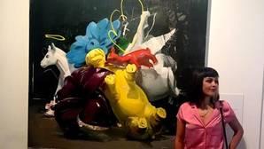Ana Barriga con su obra «Viva el vino«, Premio Focus de Pintura 2016
