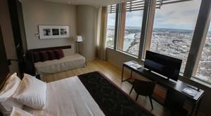 El hotel de Torre Sevilla recibe 2.500 currículos para 200 puestos de trabajo