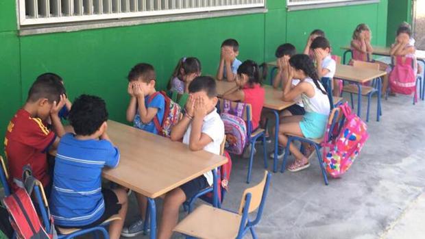 Alumnos del colegio Marie Curie afectados por las altas temperaturas en aulas sin climatización
