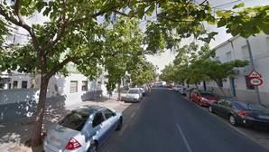 El detenido conducía en dirección prohibida por la calle Candelilla