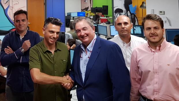 Firma del convenio entre Legal Innovation y la sevillana Lantia Publishing