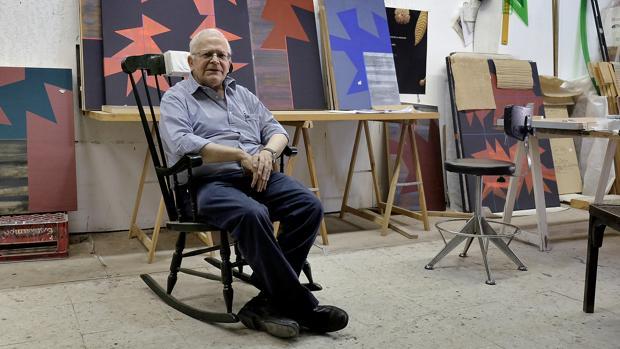 Gerardo Delgado en su estudio de Olivares