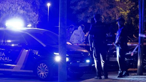 La Policía Científica investiga en la zona del suceso