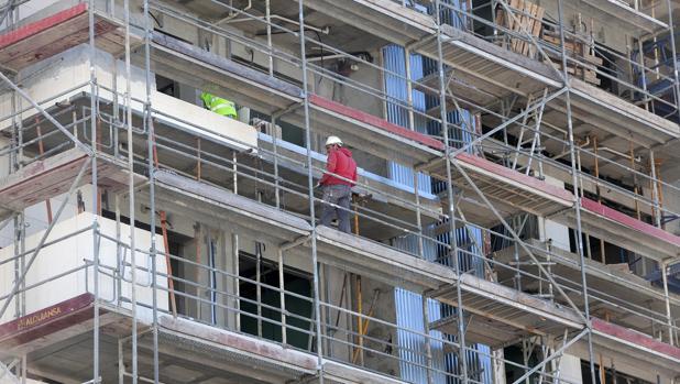 La venta de viviendas está impulsando el sector de la construcción en Sevilla