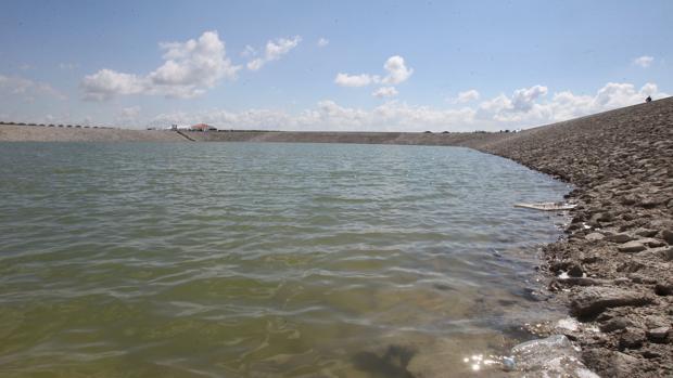 Pantano de Melonares, inaugurado en 2015 y actualmente con agua para un año de consumo en Sevilla