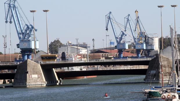 El puente de las Delicias visto desde Los Remedios