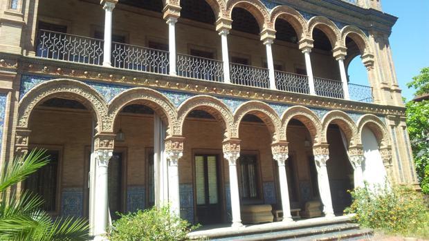 Palacete ubicado en la avenida de la Palmera y diseñado por el arquitecto Aníbal González