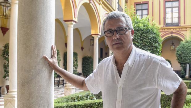 Juanma Ávila es antiguo alumno de los escolapios y ha recogido en un libro las vivencias de exalumnos