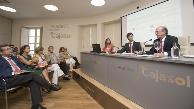 Presentación del Libro Blanco «La Educación importa», en la sede de la Fundación Cajasol