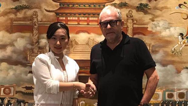 Wan Shan, de la Universidad Politécnica de Xian, y Kurt Grötsch