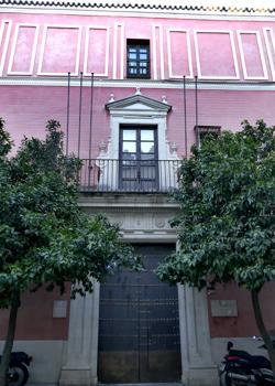 Fachada del palacio que durante años fue sede de la Consejería de Cultura