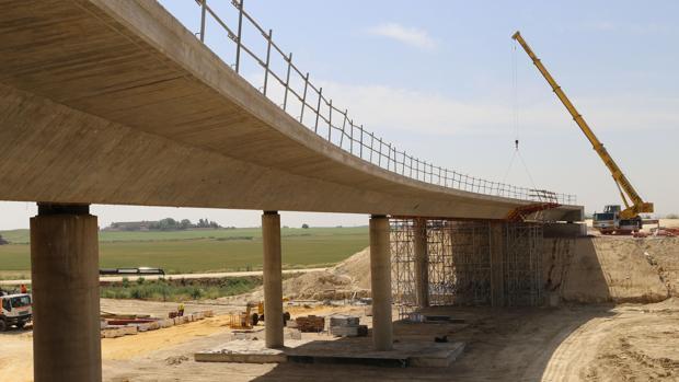 Viaducto de la SE-40 que se encuentra a la altura de Bellavista