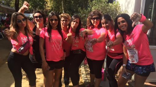 El grupo de amigas de Sevilla, tras la cancelación de la carrera