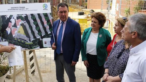 El alcalde de Sevilla en la presentación del proyecto de inversión