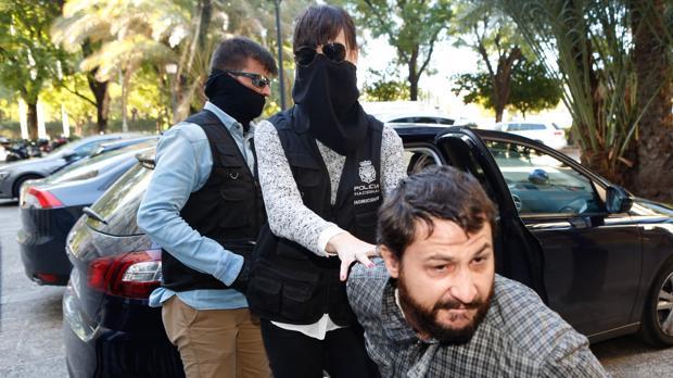 Miguel Ángel Fernández Delgado se mostró muy agresivo a la llegada de los juzgados