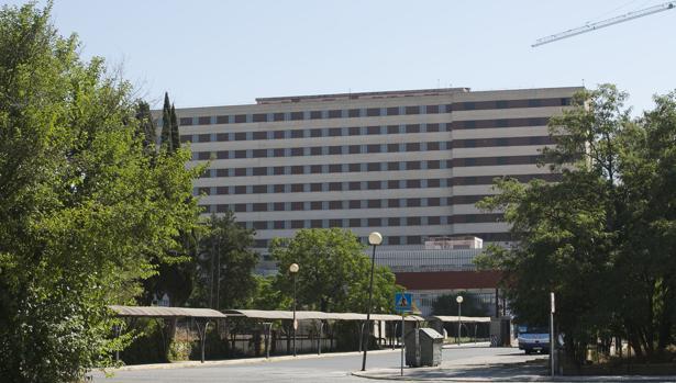 Fachada del antiguo Hospital Militar de Sevilla
