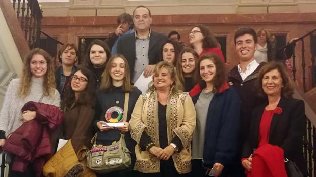 Los galardonados con los Premios «Sevilla Joven»