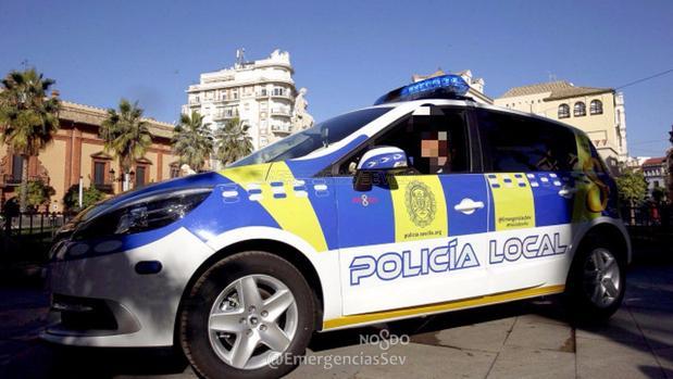 Una patrulla de la Policía Local de Sevilla