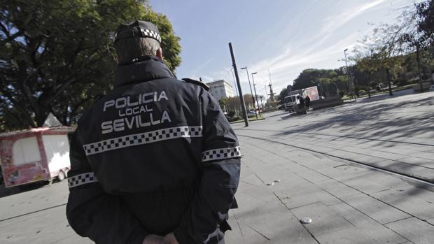 El accidente que ha sido denunciado por la Policía ocurrió el pasadoviernes en la Ronda el Tamarguillo